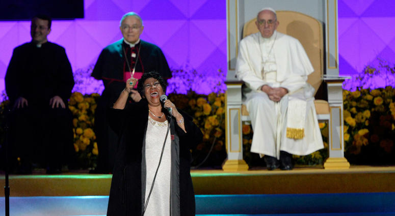 Pope Francis watches Aretha Franklin sing at the Festival of Families along Benjamin Franklin Parkway.