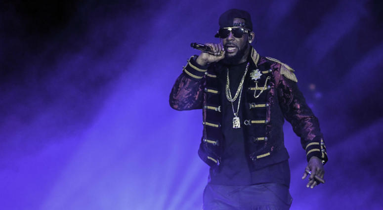 R. Kelly performs at the American Airlines Arena.