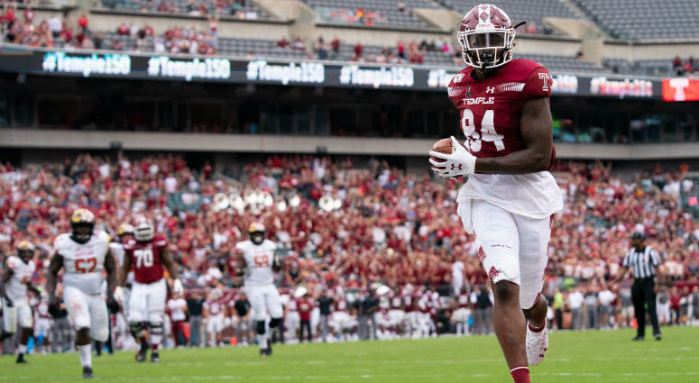 Sep 14, 2019; Philadelphia, PA, USA; Temple Owls tight end Kenny Yeboah (84) scores a touchdown against the Maryland Terrapins during the fourth quarter at Lincoln Financial Field.