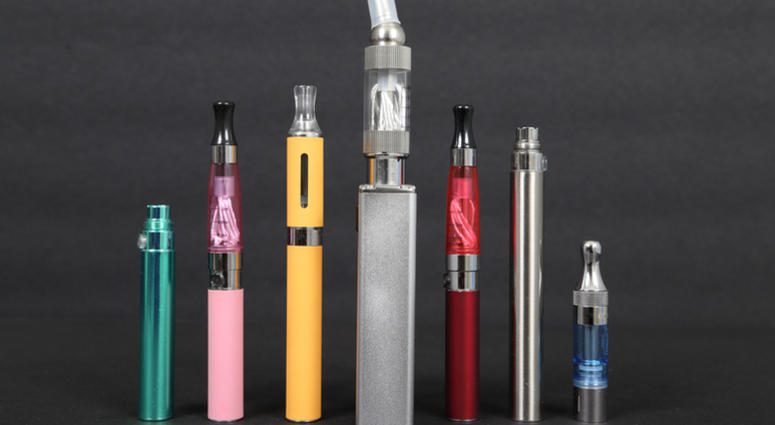 Electronic cigarettes is gaining popularity among teenagers.