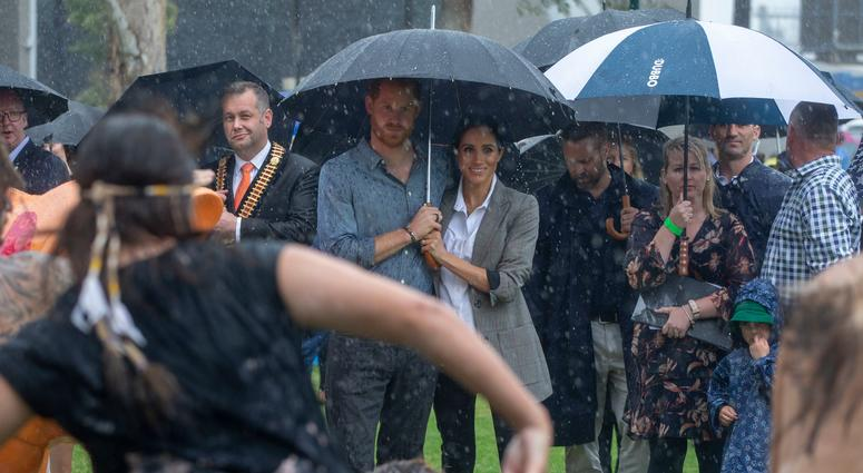 10/17/2018 - The Duke and Duchess of Sussex attend a community picnic in Victoria Park in Dubbo, New South Wales, on the second day of the royal couple's visit to Australia.
