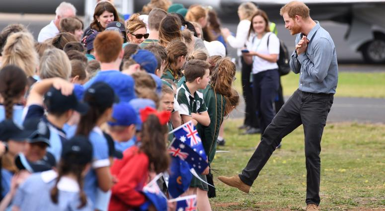 10/17/2018 - Prince Harry Duke of Sussex and Meghan Duchess of Sussex arrive at Dubbo Airport, New South Wales, Australia.