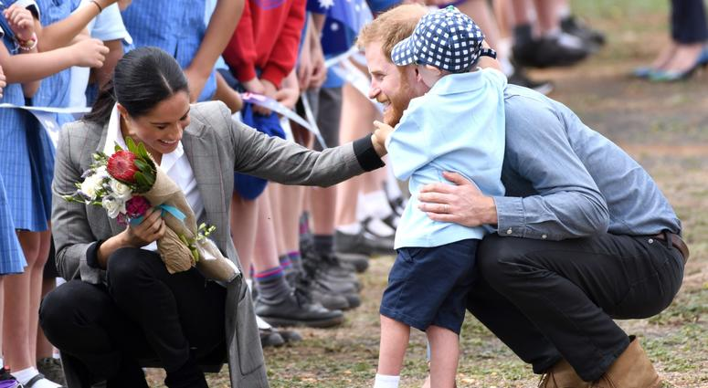 10/17/2018 - Prince Harry Duke of Sussex and Meghan Duchess of Sussex arrive at Dubbo Airport where they meet Luke Vincent, 5, from Buninyong Public School Kindergarten, New South Wales, Australia.
