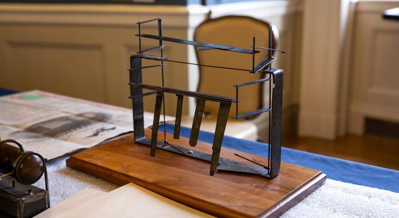 Inventors marvel at the Wright Brothers' balance at the Franklin Institute.
