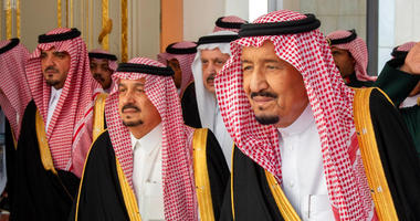 In this photo provided by the Saudi Press Agency, SPA, Saudi King Salman, right, with dignitaries before he gives his annual policy speech at the consultative Shura Council, Monday, Nov. 19, 2018, Riyadh, Saudi Arabia.