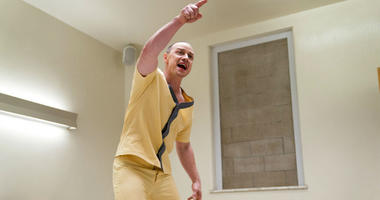 """This image released by Universal Pictures shows James McAvoy in a scene from M. Night Shyamalan's """"Glass."""""""