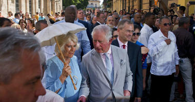 he royal couple began the first official trip to Cuba by the British royal family on Sunday, in a pomp-filled display of disagreement with the Trump administration's strategy of economically isolating the communist island.