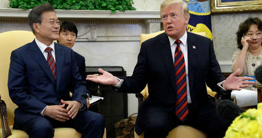Donald Trump Moon Oval Office