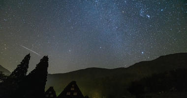 Shirakawa-go and Orionid meteor shower