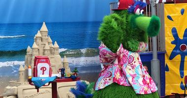 The Phillie Phanatic gave a grand entrance at the Beach Bash.