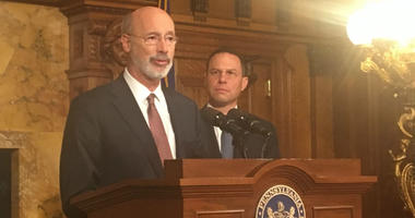 Shapiro (right) with Gov. Wolf announcing prescription drug reporting tool.
