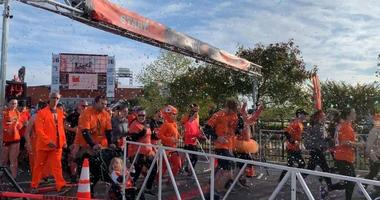 Flyers fans embark on the first-ever Gritty 5K, benefiting Flyers charities.