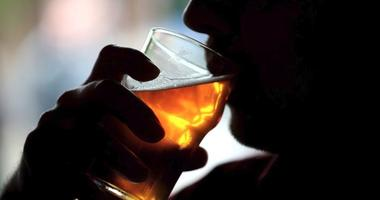 Cancer risk rises with each drink, but the link between mortality and alcohol is more J-shaped, a new study finds.