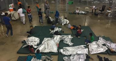 immigrants / US detention center