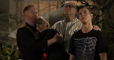 In Wednesday's Halloween episode of the long-running series, the comedy put speculation to rest by revealing that Mitchell and Claire's mother, DeDe (Shelley Long), had died.