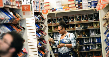 Payless ShoeSource is heading back into bankruptcy. This time it will close its doors.