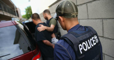 Immigration authorities are expected to begin conducting raids in nine cities today, targeting about 2,000 immigrants who courts have ordered to be removed from the country, a US official has said.