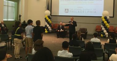 Students ask Republican gubernatorial challenger Scott Wagner a question.