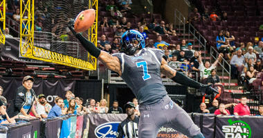 Wide receiver Darius Reynolds