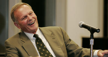 "In this Oct. 14, 2005, file photo, Hollywood icon Tab Hunter answers questions from the crowd during a book signing in New York for his memoir, ""Tab Hunter Confidential: The Making of a Movie Star."""
