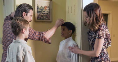 Parker Bates as Kevin, Milo Ventimiglia as Jack, Lonnie Chavis as Randall, Mandy Moore as Rebecca in 'This Is Us'. Heading into the Emmys, 'Game of Thrones' and 'This is Us' carry banner for popular TV