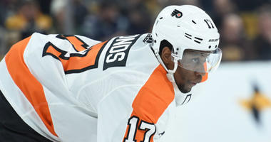 Jan 31, 2019; Boston, MA, USA; Philadelphia Flyers right wing Wayne Simmonds (17) gets ready for a face off during the first period against the Boston Bruins at TD Garden.