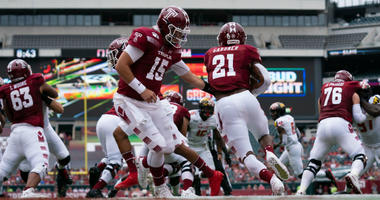 Philadelphia, PA, USA; Temple Owls quarterback Anthony Russo (15) hands off to running back Jager Gardner (21) during the first quarter against the Maryland Terrapinsat Lincoln Financial Field.