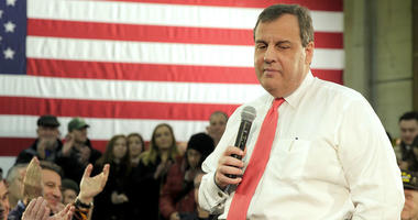 Chris Christie pauses during a Town Hall meeting at Gilchrist Metal Company during his 2016 presidential campaign.