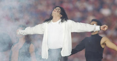Entertainer Michael Jackson sings at half-time during the Super Bowl X XVII game between the Buffalo Bills and the Dallas Cowboys at the Rose Bowl in Pasadena, California.