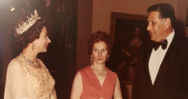 Carmella Rizzo (center) and her husband, former Philadelphia Mayor Frank Rizzo, met Queen Elizabeth during her visit to the city in 1976 during Bicentennial celebrations.