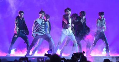 BTS performs at the 2018 Billboard Music Awards