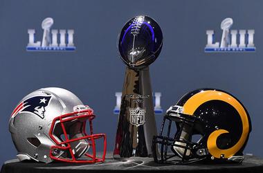 Patriots Rams Helmets Super Bowl