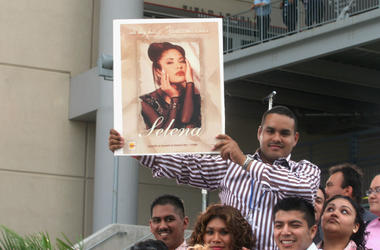 Fans of Selena and Latin music wait at the 'Selena Vive' tribute concert, April 7, 2005