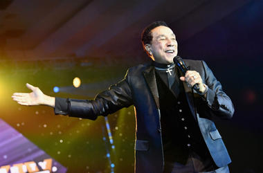 Smokey Robinson performs onstage at Celebrity Fight Night XXIV on March 10, 2018