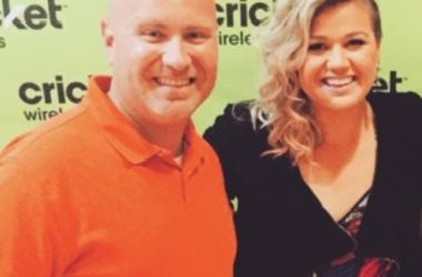 Kelly Clarkson Day Time Talk Show Set
