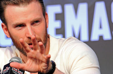"""Actor Chris Evans attends the press conference of the movie """"Captain America 3: Civil War"""""""