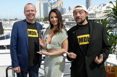 SAN DIEGO, CA - JULY 19: Actor Olivia Munn receives the IMDb 'Fan Favorite' STARmeter Award on the #IMDboat at San Diego Comic-Con 2018 at The IMDb Yacht on July 19, 2018 in San Diego, California. (Photo by Rich Polk/Getty Images for IMDb)