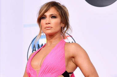 LOS ANGELES, CA - OCTOBER 09: Jennifer Lopez attends the 2018 American Music Awards at Microsoft Theater on October 9, 2018 in Los Angeles, California. (Photo by Emma McIntyre/Getty Images For dcp)