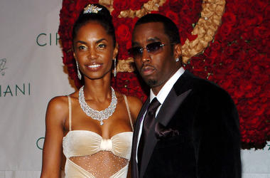 """KRT ENTERTAINMENT STAND ALONE PHOTO SLUGGED: PDIDDYBIRTHDAYBALL KRT PHOTOGRAPH BY NICOLAS KHAYAT/ABACA PRESS (November 5) Sean """"P. Diddy"""" Combs and his girlfriend Kim Porter attend the """"P. Diddy Royal Birthday Ball"""" celebrating P. Diddy's 35th birthday, h"""