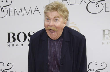 """HOLLYWOOD - JUNE 16: Actor/comedian Rip Taylor attends the world premiere of the Warner Bros. film """"Alex and Emma"""" on June 16, 2003 at Grauman's Chinese Theatre in Hollywood, California. (Photo by Vince Bucci/Getty Images)"""