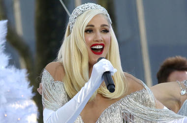11/21/2017 - Gwen Stefani performs in Bryant Park in New York City (Photo by PA Images/Sipa USA)