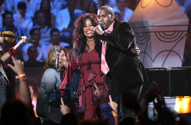 MIAMI - AUGUST 29: Kanye West and Chaka Khan perform at the 2004 MTV Video Music Awards at the American Airlines Arena August 29, 2004 in Miami, Florida. (Photo by Frank Micelotta/Getty Images)