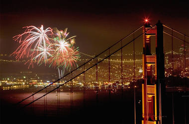 SAN FRANCISCO - JULY 4: Fireworks light up the Golden Gate Bridge and San Francisco Bay as Americans celebrate Independence Day on July 4, 2006 in San Francisco, California. (Photo by David Paul Morris/Getty Images)
