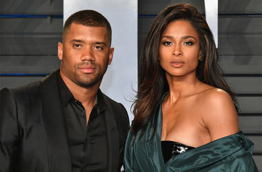 BEVERLY HILLS, CA - MARCH 04: Russell Wilson (L) and Ciara attend the 2018 Vanity Fair Oscar Party hosted by Radhika Jones at Wallis Annenberg Center for the Performing Arts on March 4, 2018 in Beverly Hills, California. (Photo by Dia Dipasupil/Getty Imag
