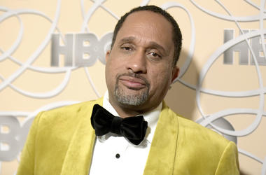 """In this Jan. 8, 2017 file photo, Kenya Barris arrives at the HBO Golden Globes afterparty in Beverly Hills, Calif. Netflix says it's signed """"black-ish"""" creator Kenya Barris to an exclusive production agreement. The multi-year deal announced Thursday makes"""