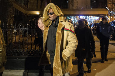 R. Kelly walks to his vehicle after exiting a cigar lounge in Chicago on Monday, Feb. 25, 2019. A suburban Chicago woman posted the $100,000 bail for R. Kelly to be freed from jail while he awaits trial on sexual abuse charges. (Tyler LaRiviere/Chicago Su