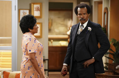 """This image released by ABC shows Wanda Sykes as Louise Jefferson, left, and Jamie Foxx as George Jefferson in """"Live in Front of a Studio Audience: Norman Lear's 'All in the Family' and 'The Jeffersons',"""" special which aired on Wednesday, May 22. (Eric McC"""