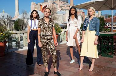 Naomi Scott, Kristen Stewart, Ella Balinska and Elizabeth Banks in 'Charlie's Angels' (Photo credit: Sony Pictures)