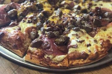 Golden Mushroom Pizzeria