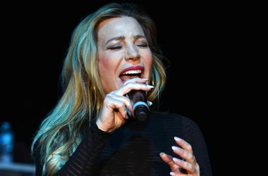 Taylor Dayne (Photo credit: Ron Elkman/USA Today Network)